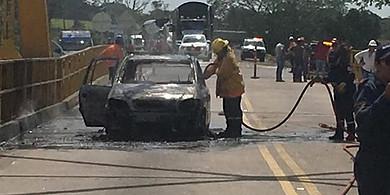 Photo of Vehículo se incendió entre Tauramena y Monterrey