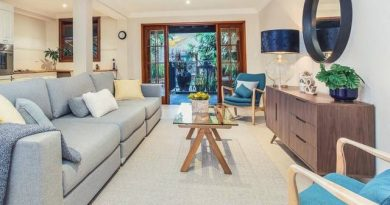 old lounge room| Selling your home Why property styling is your new best friend