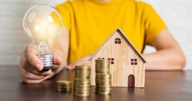 light bulb neat wooden house| 4 things every real estate investor needs to know to be successful