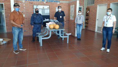 Photo of Donaron elementos de vestir a reclusos de la Cárcel La Guafilla
