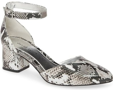 Shoes for women with big feet - David Tate 'Adeline' sandal | 40plusstyle.com