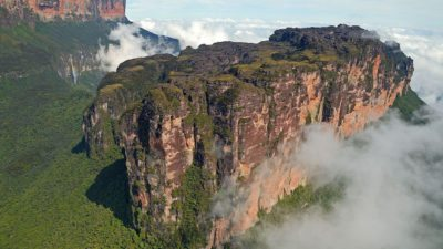 Image: Tepuis, magnificent mesas rising up from the jungle below