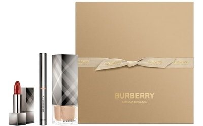 Burberry Beauty Festive beauty box | 40plusstyle.com