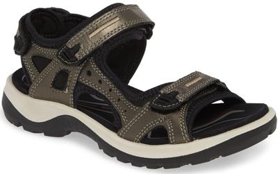 Ecco sandal | 40plusstyle.com
