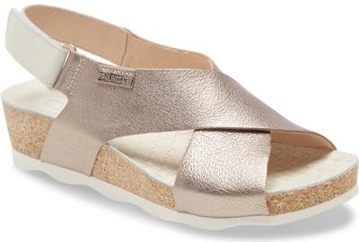 Shoes for women with big feet - PIKOLINOS 'Mahon' platform sandal   40plusstyle.com