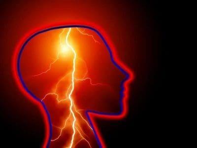 O uso de marihuana pesada pode duplicar o risco de accidente cerebrovascular para os mozos, estuda suxerir