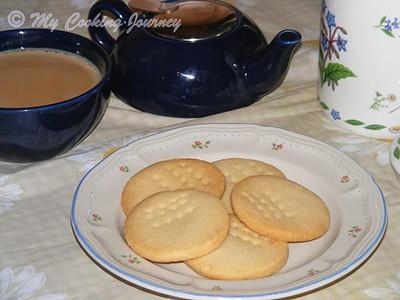 https://www.mycookingjourney.com/2013/07/butter-biscuitstea-kadai-style-butter.html