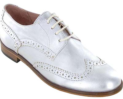 chic silver shoes for women over 40 | 40plusstyle.com