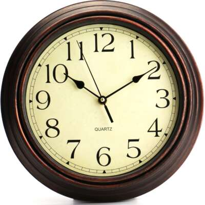 modern quartz battery operated clocks
