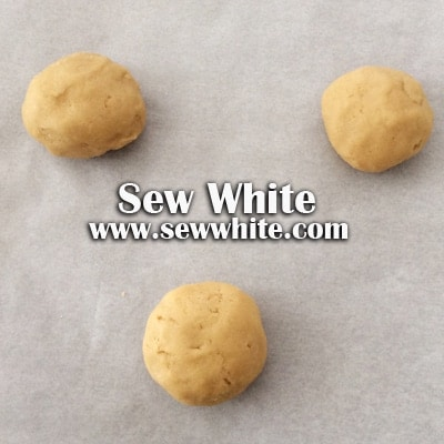 Sew White peanut butter and banana cookies 3
