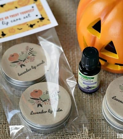 Your ghoul-friends will love getting their own special Halloween treat this year. This Trick or Treat Yourself Lip Care Set is the perfect way to treat the grown-ups with a pampering treat this Halloween.