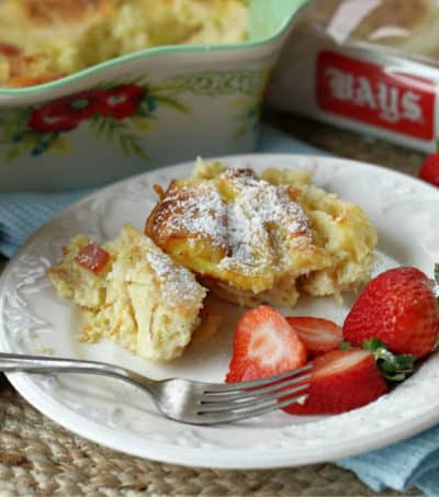 Super easy and super delicious! This Monte Cristo Bake is the perfect make-ahead breakfast casserole that doesn't have to be served just for breakfast. (AD) #BetterWithBays #breakfast #casserolerecipe #breakfastrecipe #breakfastcasserole
