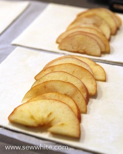 Sew White bleeding apple mummy pastries 2