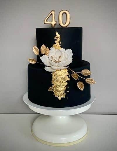czarno bialo zloty tort na 40 urodziny