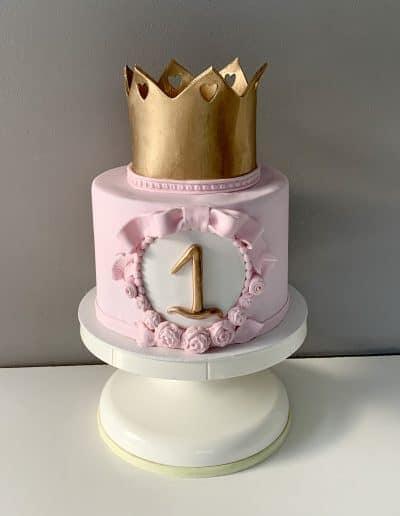 tort na roczek korona zlota
