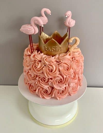 tort roze korona flamingi