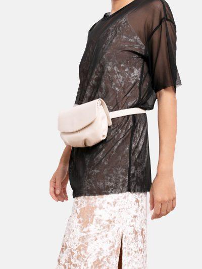 bolso soft motero blanco modelo roto