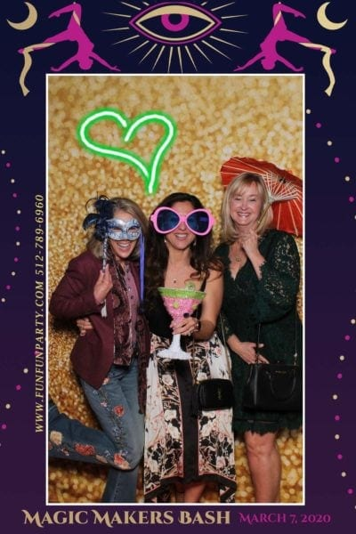 Bash-hotel-van-zandt-mirror-photo-booth-funfunparty
