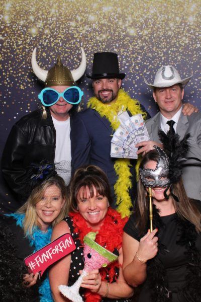 Gala-heart-Georgetown-mirror-photo-booth-funfunparty