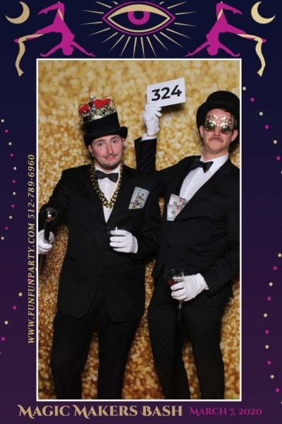 Magic-hotel-van-zandt-mirror-photo-booth-funfunparty