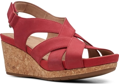 Shoes for women with big feet - Clarks® 'Un Capri Step' platform wedge sandal | 40plusstyle.com