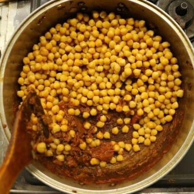 チャナマサラ、ひよこ豆追加