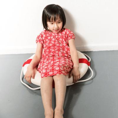 Mädchenkleid Milla red circles GOTS3 bei Kleidermarie