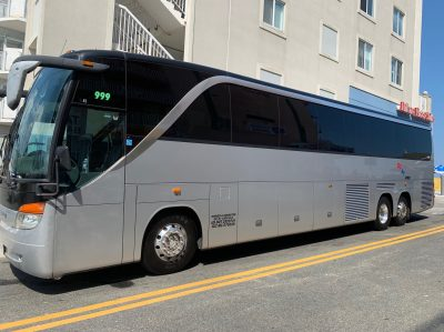Luxury 50-57 seater luxury Delux Lux charter coach bus with toilet
