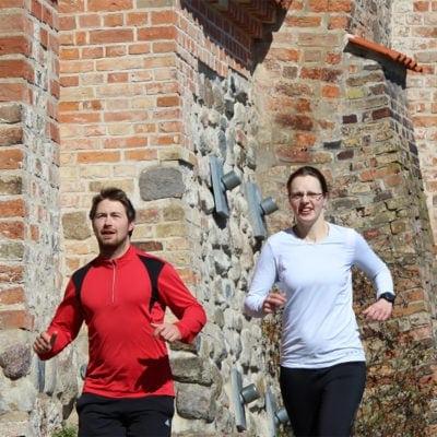 Abenteuer Stadtwelten - Stadtführung Rostock & Warnemünde - Stadtmauerlauf