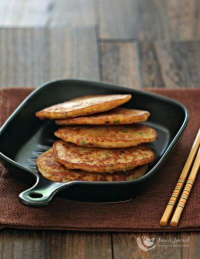 Chinese Radish Pancake 萝卜丝煎饼