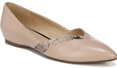 Shoes for women with big feet - Naturalizer 'Sandara' flat | 40plusstyle.com