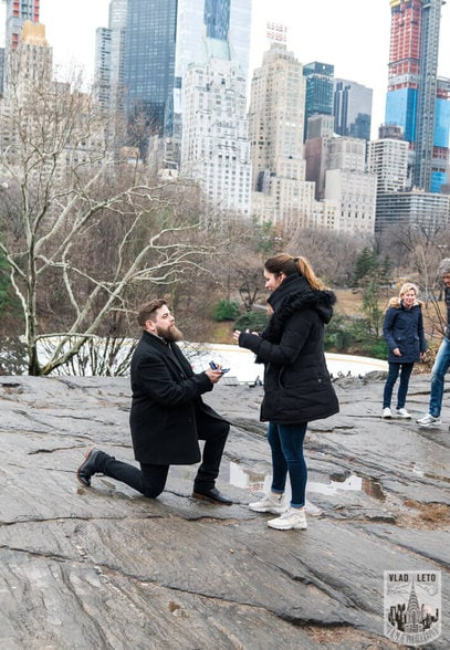 Photo 3 Cats Rock Proposal in Central Park | VladLeto
