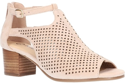 Best women's sandals - Bella Vita 'Amara' Sandal | 40plusstyle.com