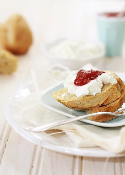 baguette with ricotta and jam