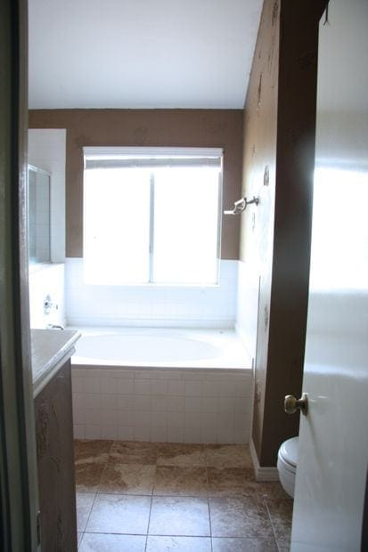 DIY bathroom remodel: before photo