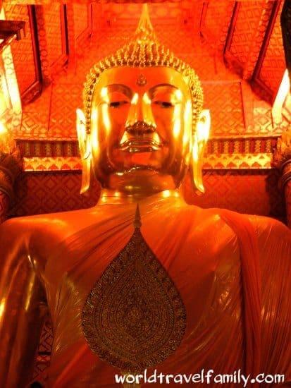 Travel blog Ayutthaya, Thailand.Huge golden Buddha . Things to do ayutthaya