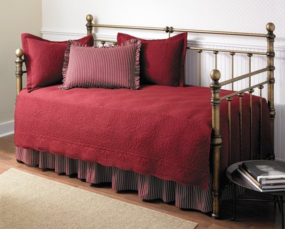 4. Stone Cottage Trellis Collection Daybed