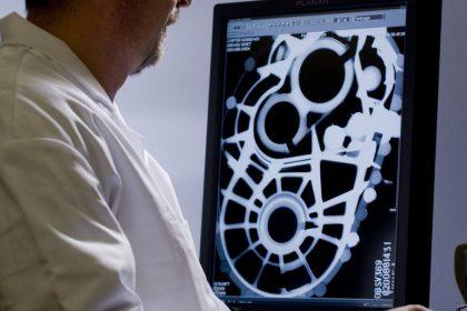 Contrôle radiographie numérique d'une pièce de fonderie