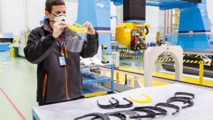 A járvány idején arcpajzsokat nyomtat az Airbus