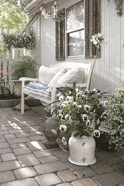 ROMANTIC WHITE FLOWER SHABBY CHIC PORCH DECOR IDEAS