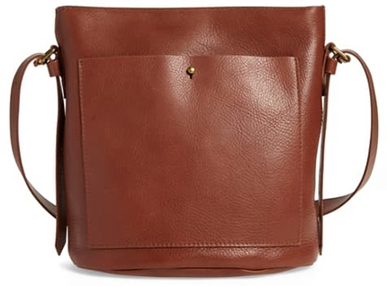Madewell leather bucket bag | 40plusstyle.com