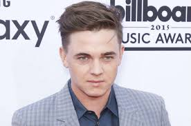 What Did Jesse McCartney do to his face? | Page 2 | Lipstick Alley