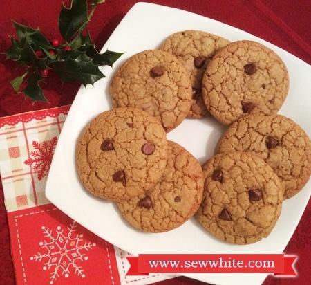 Sew White orange cinnamon and chocoalate chip cookie