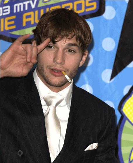 Smoking-Ashton-Kutcher