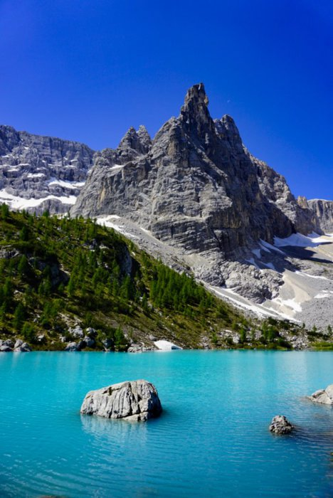Sorapis lake, Dolomites, Italy - Experiencing the Globe