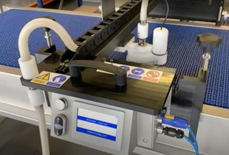 Nettoyage tapis à mailles Intralox ajourées avec Jet System 4