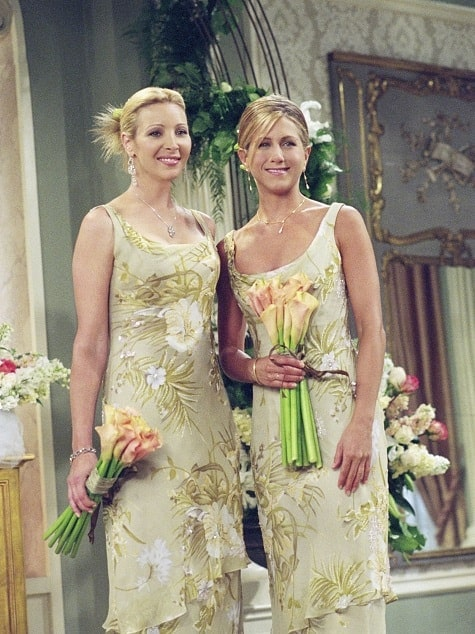 rachel-phoebe-bridesmaid-monica-wedding-friends