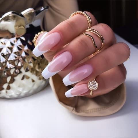 manicure żelowy french