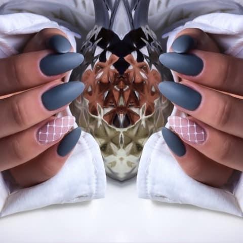 ciemne paznokcie żelowe