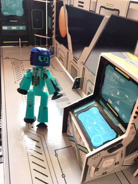 The past week we have been taking a look at theStikBot Space Movie Set Animation Studio. You may ask what is a StikBot?